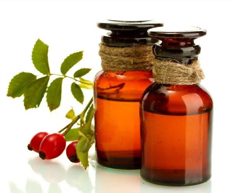 CO2 extracted rosehip oil